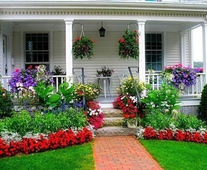 Amazing Front Yard Design Ideas that Makes You Never Want to Leave 08