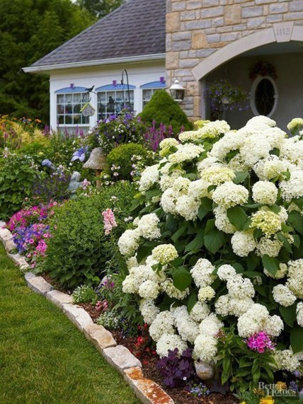 Amazing Front Yard Design Ideas that Makes You Never Want to Leave 11