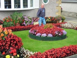 Beautiful Flower Garden for Your Front Yard 01