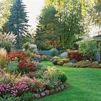 Beautiful Flower Garden for Your Front Yard 19