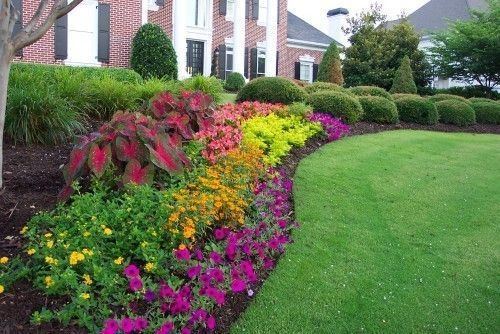 Beautiful Flower Garden for Your Front Yard 47