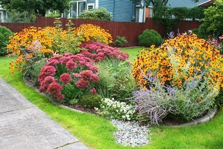 Beautiful Flower Garden for Your Front Yard 51