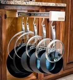 Best DIY Farmhouse Kitchen Decorating Ideas 41