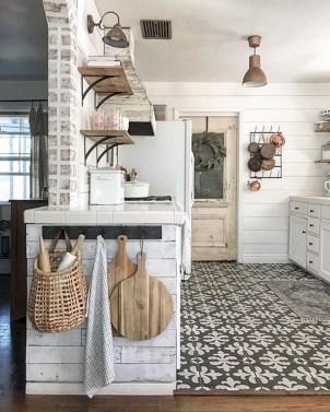 Best DIY Farmhouse Kitchen Decorating Ideas 52
