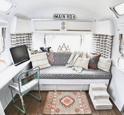 Brilliant Camper Van Conversion for Perfect Outdoor Experience 33