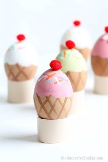 Brilliant DIY Egg Decorating Ideas 37