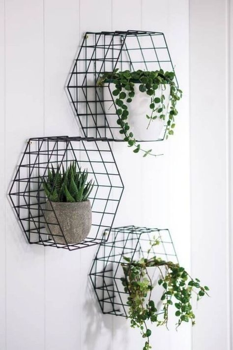 Clever and Creative Decorating Ideas for Small Home 49