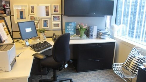 Cubicle Workspace Decorating Ideas 30