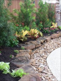 Easy And Low Maintenance Front Yard Landscaping Ideas 05