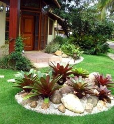 Easy And Low Maintenance Front Yard Landscaping Ideas 13