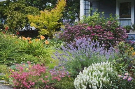 Easy And Low Maintenance Front Yard Landscaping Ideas 17