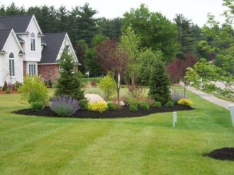 Easy And Low Maintenance Front Yard Landscaping Ideas 38