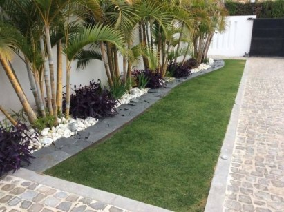 Examples Landscaping Ideas You can Put in House Page 18