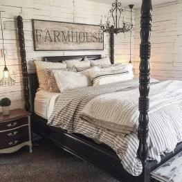 Outstanding Rustic Master Bedroom Decorating Ideas 20