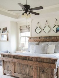 Outstanding Rustic Master Bedroom Decorating Ideas 21