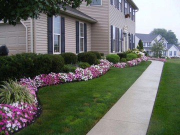 Simple But Beautiful Front Yard Landscaping Ideas 02