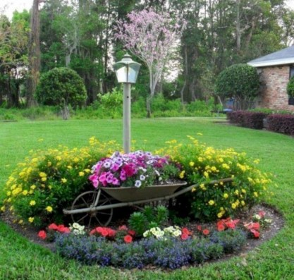 Simple But Beautiful Front Yard Landscaping Ideas 16