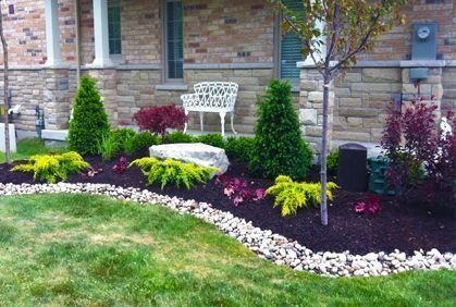 Simple But Beautiful Front Yard Landscaping Ideas 52