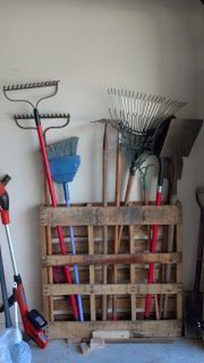 Amazing DIY and Hack Garage Storage Organization 23