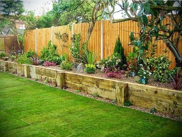 Amazing Privacy Fence Ideas to Perfect Your Backyard 29