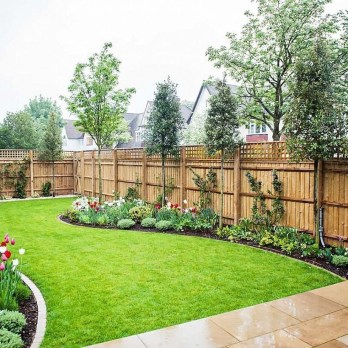 Amazing Privacy Fence Ideas to Perfect Your Backyard 32
