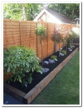 Amazing Privacy Fence Ideas to Perfect Your Backyard 33