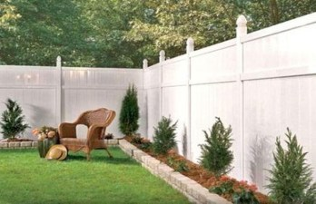Amazing Privacy Fence Ideas to Perfect Your Backyard 34