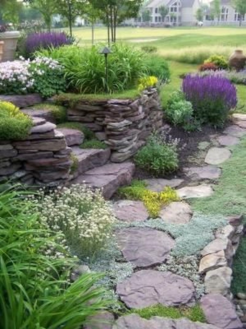 Beautiful Backyard Landscaping Design Ideas With Low Maintenance 36