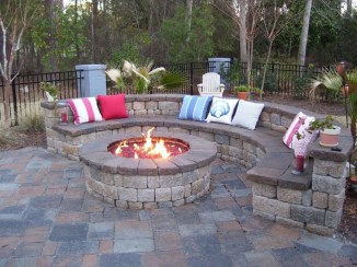 Best Outdoor Fire Pits Decorating Ideas For Spring 26
