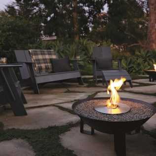 Best Outdoor Fire Pits Decorating Ideas For Spring 29