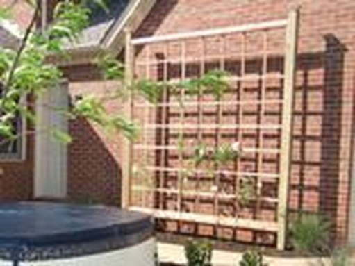 Cool DIY Garden Trellis Ideas 07