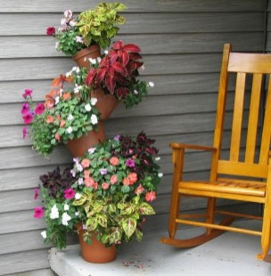 Cool DIY Vertical Garden for Front Porch Ideas 03