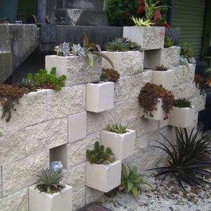 Cool DIY Vertical Garden for Front Porch Ideas 13