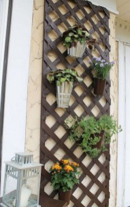 Cool DIY Vertical Garden for Front Porch Ideas 24