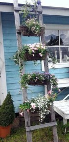 Cool DIY Vertical Garden for Front Porch Ideas 31