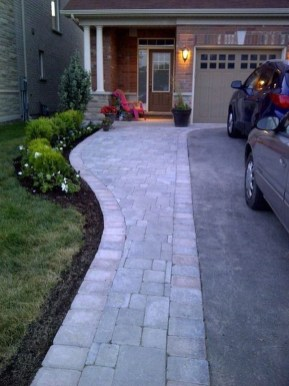 Landscaping Front Yard Ideas to Beautify Your Garden Design 21