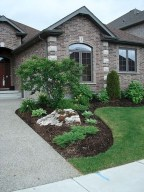 Landscaping Front Yard Ideas to Beautify Your Garden Design 28