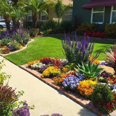 Landscaping Front Yard Ideas to Beautify Your Garden Design 48