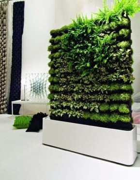 Stunning DIY Vertical Garden Design Ideas 15