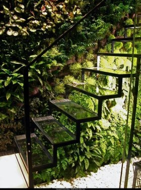 Stunning DIY Vertical Garden Design Ideas 34