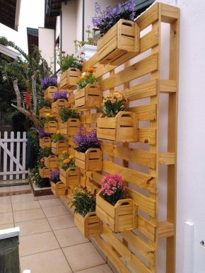 Stunning DIY Vertical Garden Design Ideas 36