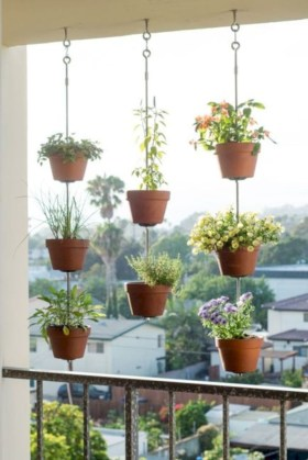 Stunning DIY Vertical Garden Design Ideas 63