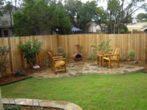 Amazing Farmhouse Privacy Fence to Perfect Your Backyard 62