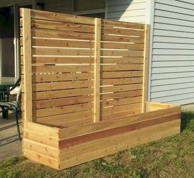 Amazing Farmhouse Privacy Fence to Perfect Your Backyard 63