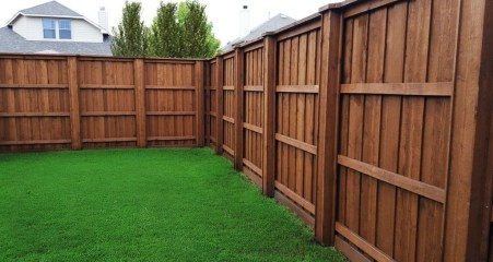 Amazing Farmhouse Privacy Fence to Perfect Your Backyard 70