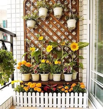 Basic Exterior Wall Into an Elegant Vertical Garden to Perfect Your Garden 09