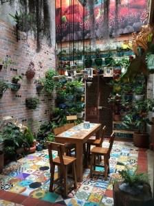 Basic Exterior Wall Into an Elegant Vertical Garden to Perfect Your Garden 21