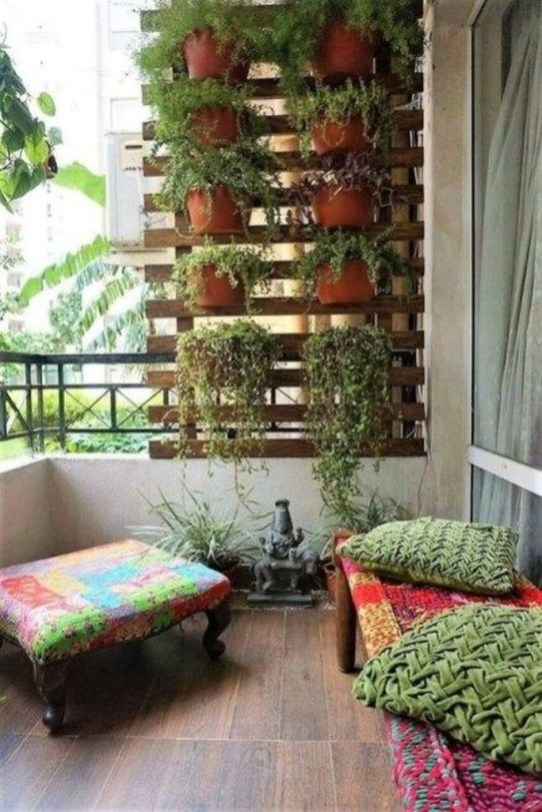 Basic Exterior Wall Into an Elegant Vertical Garden to Perfect Your Garden 39
