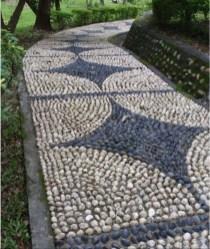 Beautiful DIY Mosaic Ideas To Beautify Your Garden 38