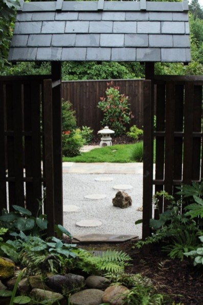 Clever Gardening Ideas with Low Maintenance 40